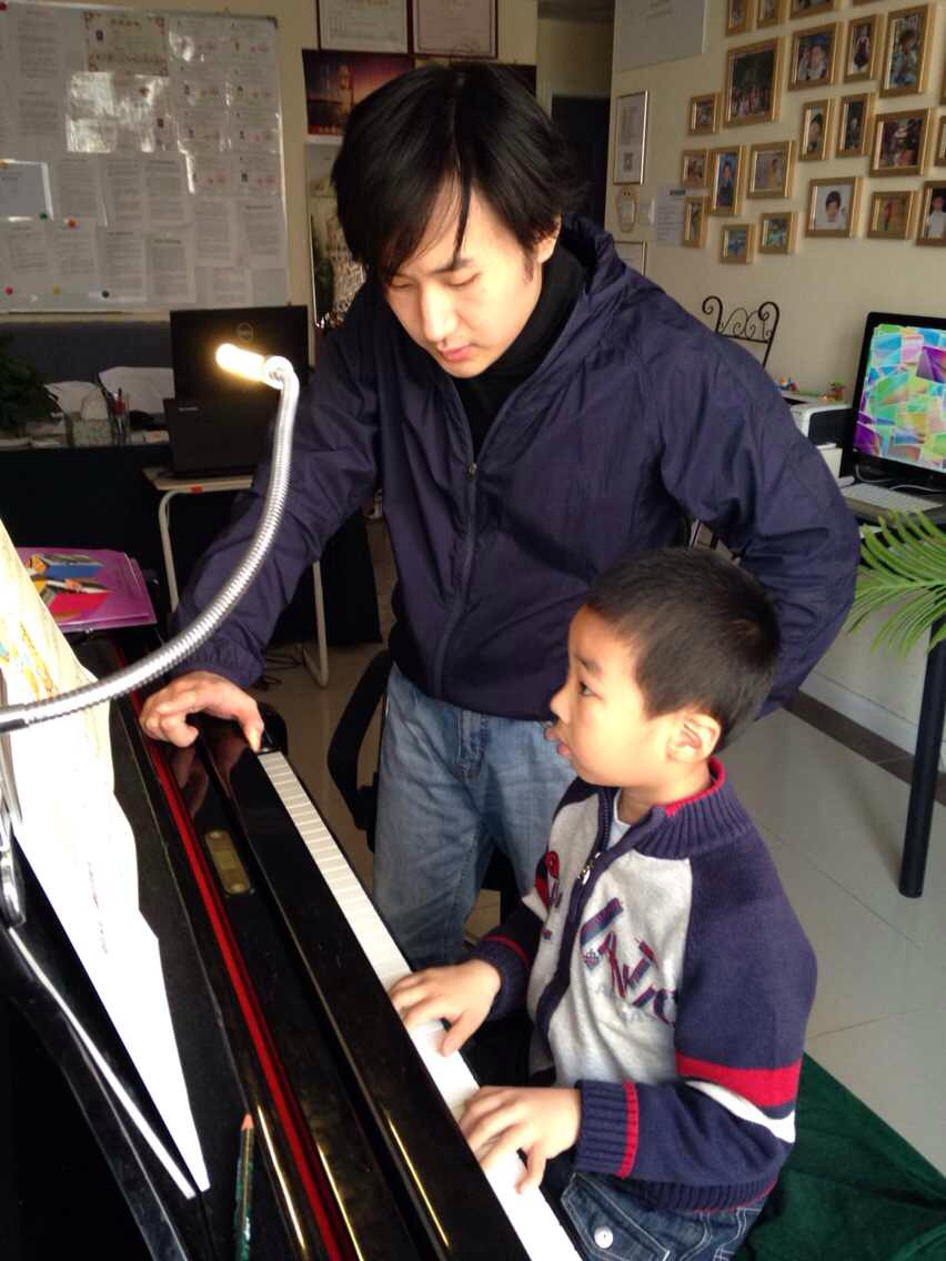 儿童钢琴基础课程(7-9岁)